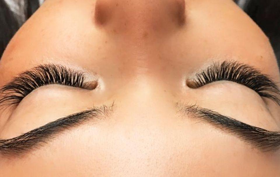 Eyelash Extentions